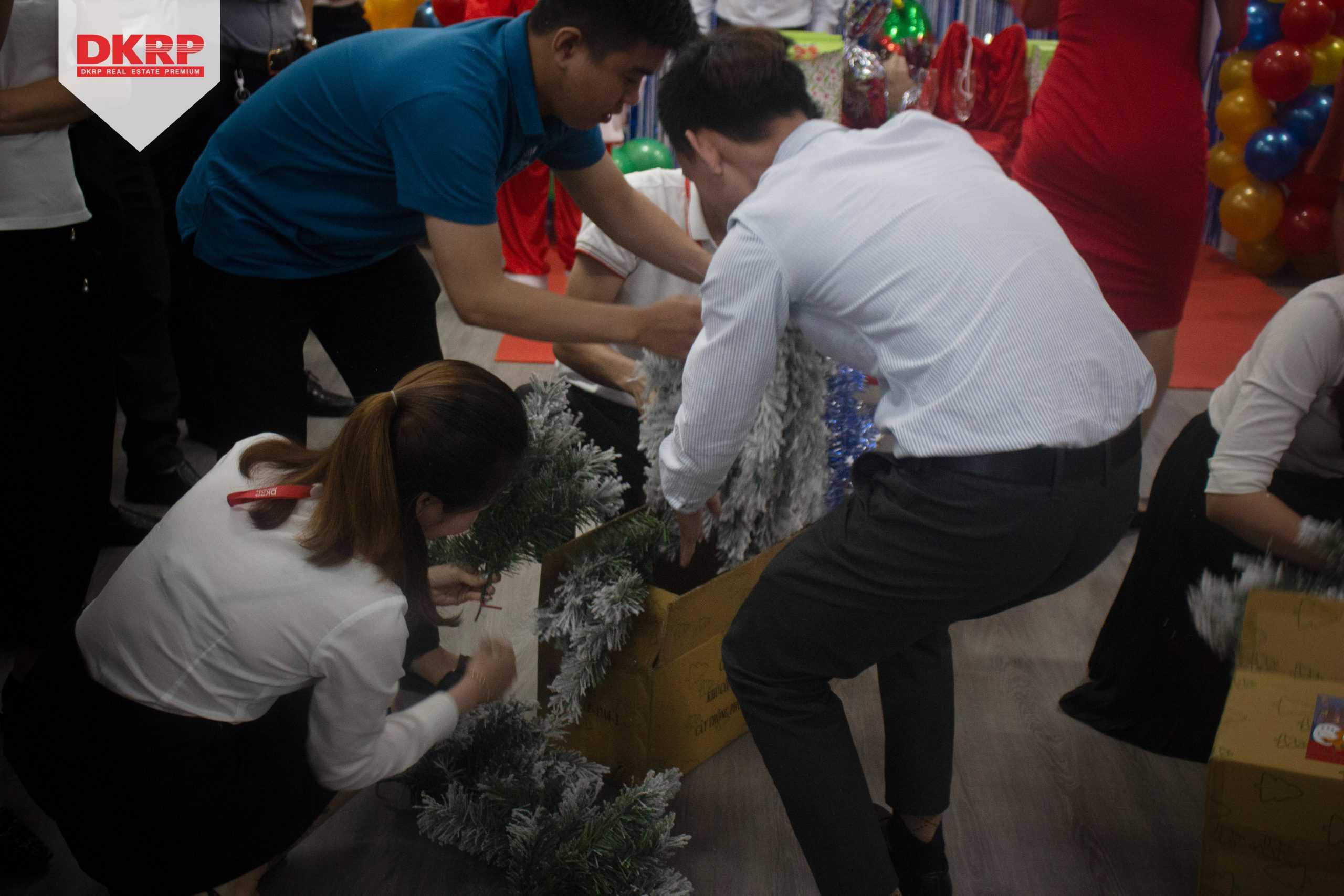Không khí Giáng sinh tràn ngập DKRP